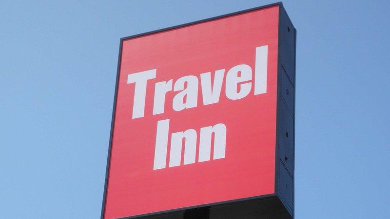 MH TravelInn Omaha NE Property Exter