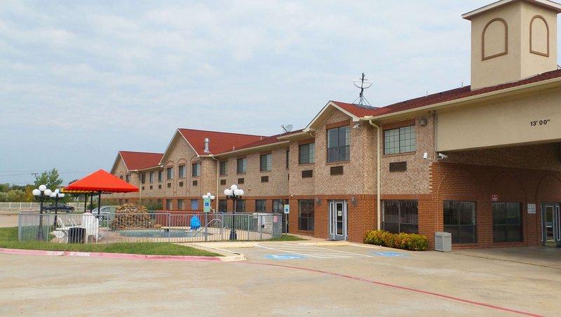 MH CedarHill CedarHill TX Property Exterior