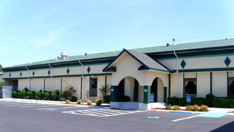 MH SuperInn Suites Milledgeville GA Property Exterior