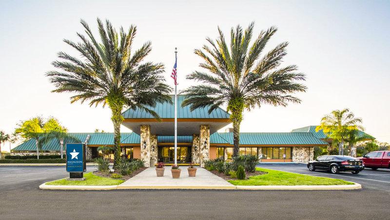 MG Sebring Florida FL Property Exterior